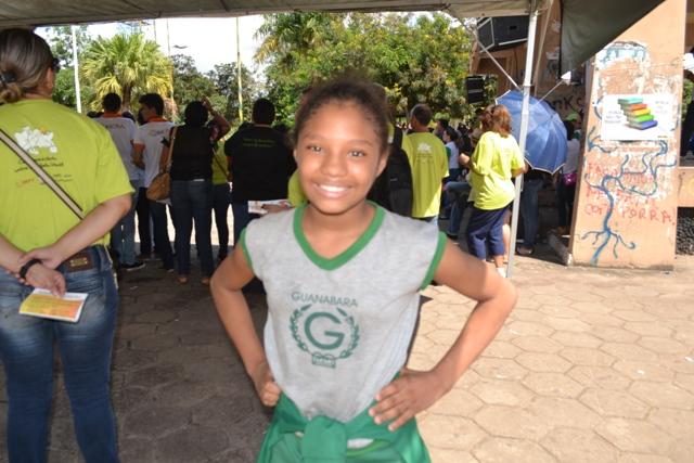 """Ato contra trabalho infantil: """"Não posso trabalhar como adulto"""", diz Maria Helena, de 11 anos"""