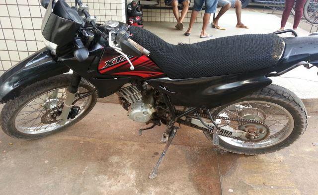 Cidade Nova: PM encontra moto usada em assalto na porta do Bradesco