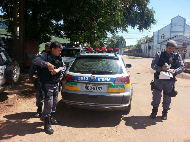 Laguinho: Trancada em banheiro, vítima avisa polícia sobre assaltantes
