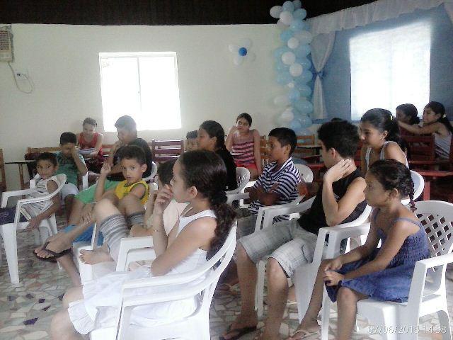 Férias com Jesus: Casal tira crianças das ruas, mas não tem condições de manter o projeto