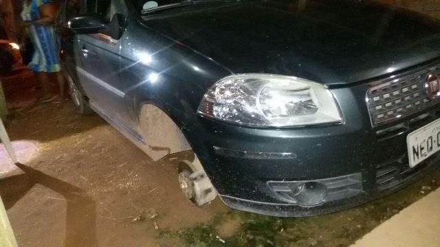 Flagrante: Ladrões recebiam encomenda de rodões pelo Whatsaap