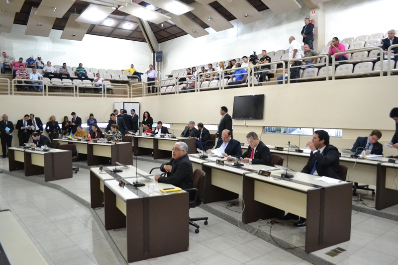 Valendo: Deputados promulgam emenda que permite a sabatina de indicados ao MPE