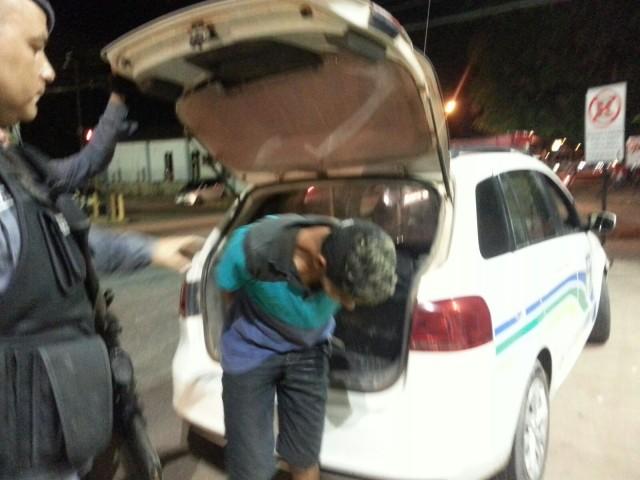 São Lázaro: Criminoso tenta assaltar policial com arma de brinquedo