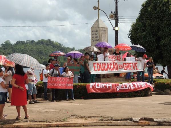 13%: Professores de Oiapoque fazem greve para reivindicar reajuste