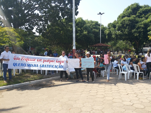 Sinsepeap mantém indicativo de greve para segunda, 2 de maio