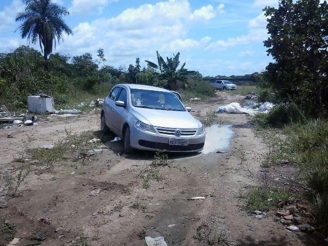 AP-440: Policiais encontram carro usado em assalto em Santana