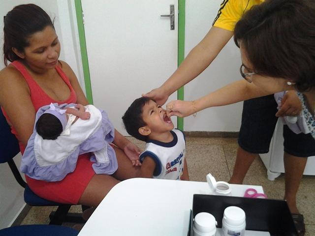Paralisia infantil: Equipes querem vacinar 42 mil crianças na capital
