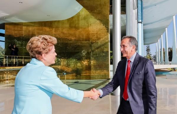 Encontro de governadores: Com Dilma, Waldez defende governabilidade