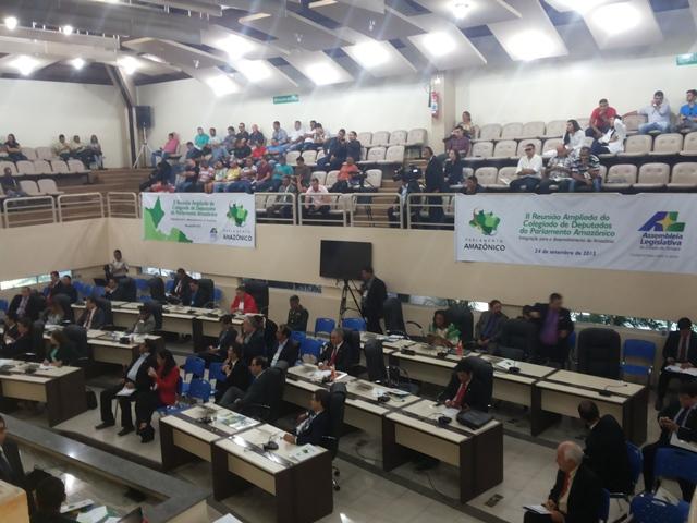 Nove Estados: No AP, Parlamento Amazônico discute regularização fundiária
