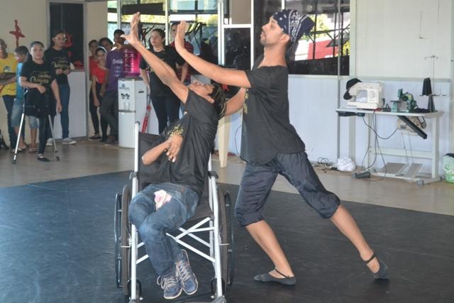 Dança: Com deficientes no palco, Kadoshi aborda temas polêmicos