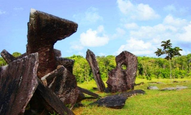 """Entre """"assombrações"""" e mistérios, as rochas enigmáticas de Calçoene"""