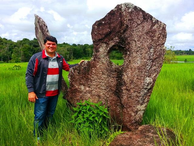 """""""Stonehenge do Amapá"""" pode esconder câmara mortuária subterrânea"""