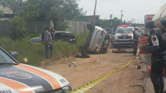 frustrado: Assaltantes roubam carro de hidrelétrica e na fuga capotam em rodovia