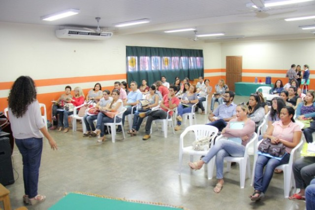 Edital oferece 599 vagas para professores