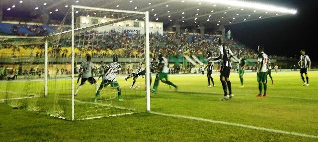 Santos reduz vantagem do Independente na 1ª semifinal