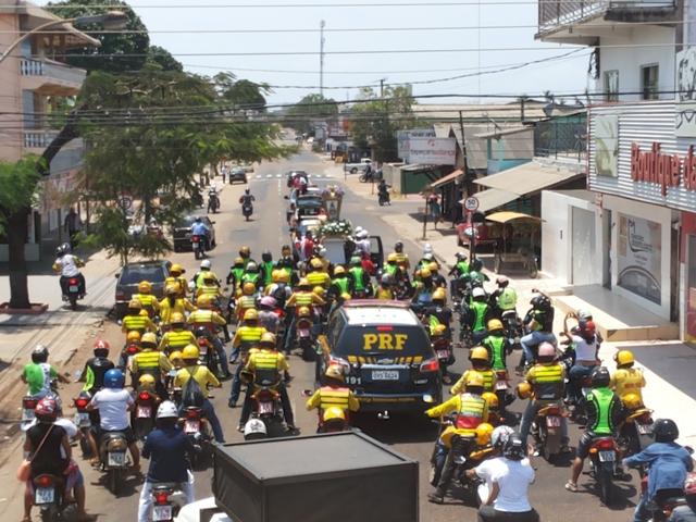 Devoção: Mototaxistas pagam promessas à Virgem de Nazaré