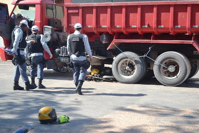 Santa Rita: Mototaxista morre esmagado por caçamba