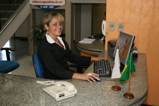 Emprego: Procura-se auxiliares administrativos, de limpeza, esteticista e outros profissionais