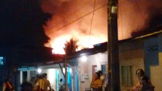 Cidade Nova: Bombeiros evitam incêndio de grandes proporções
