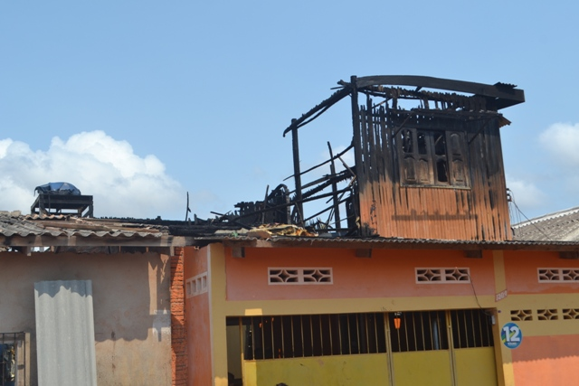 """Incêndio no Cidade Nova: """"Vi as chamas e em seguida uma explosão"""", conta um vizinho"""