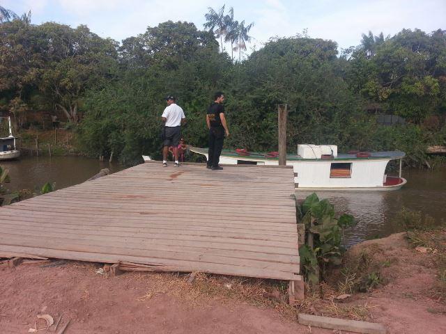 Operação: Marinha e PF apreendem barcos com madeira ilegal