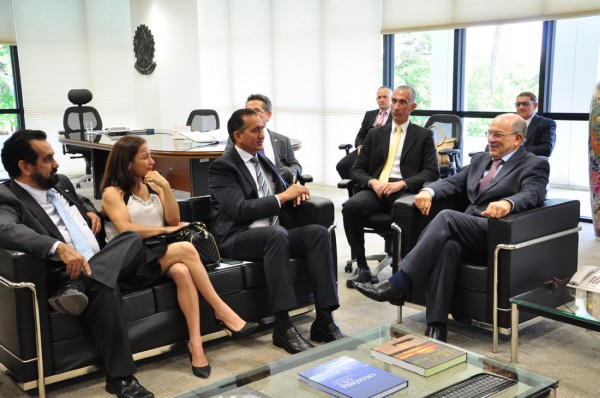 Em Brasília: Presidente do TCU reconhece que 1.050 são amparados por emenda