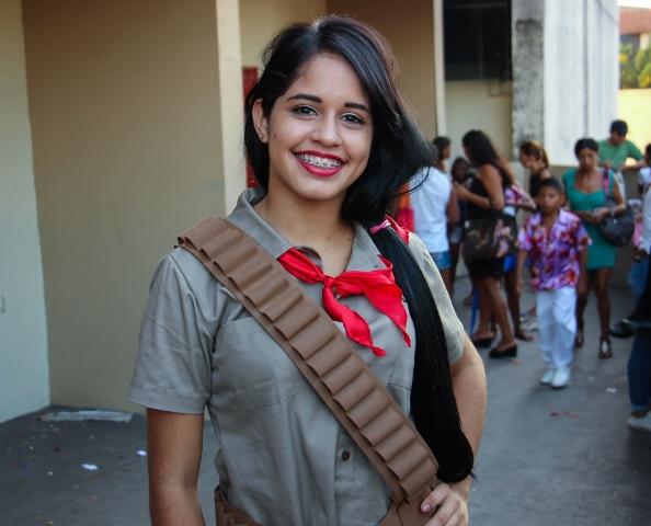 """Viagem pela cultura mundial: """"Quero participar de outros"""", diz aluna em festival de dança"""