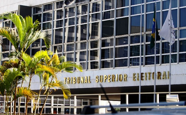 TSE suspende decisão que barrou Promotor Moisés
