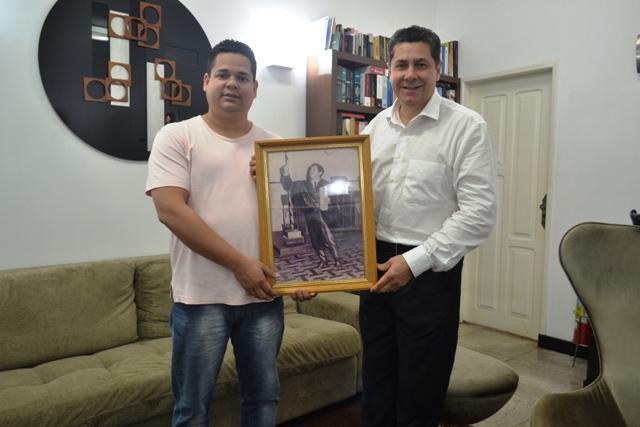 Bordalo recebe trofeu do mérito da advocacia