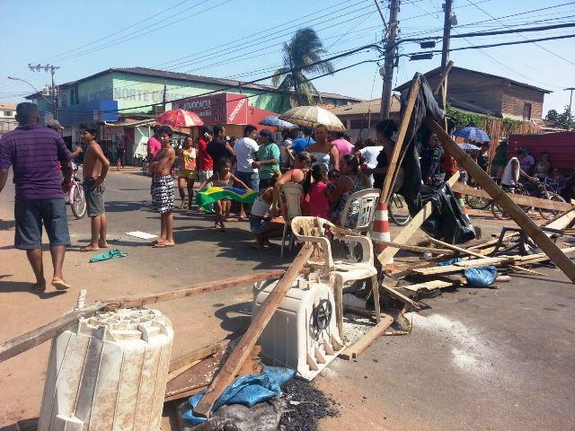 P.Socorro: Famílias ameaçam invadir área atingida por incêndio