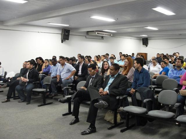 Curso de direito: Estudantes realizam júri simulado com caso real