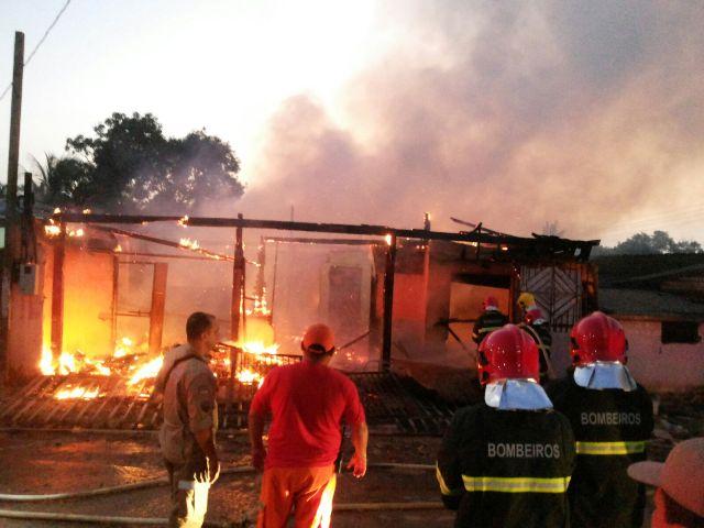 Zona Norte: Incêndio destrói residência no Novo Horizonte