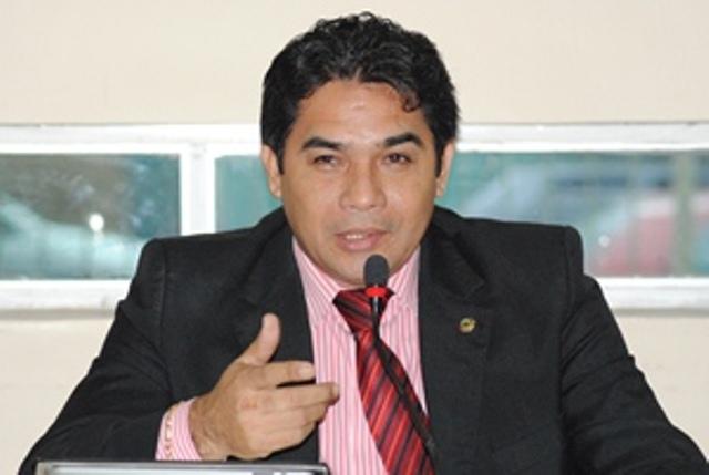 Acusado de desviar quase R$ 1 milhão, ex-deputado será julgado
