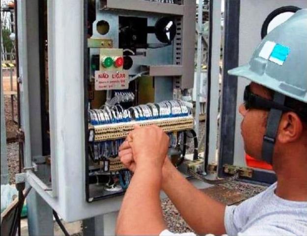 Emprego: Contrata-se eletricista, técnico em refrigeração e outros profissionais