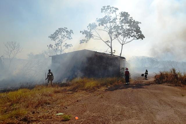 São Lázaro: Incêndio na Zona Norte assusta moradores