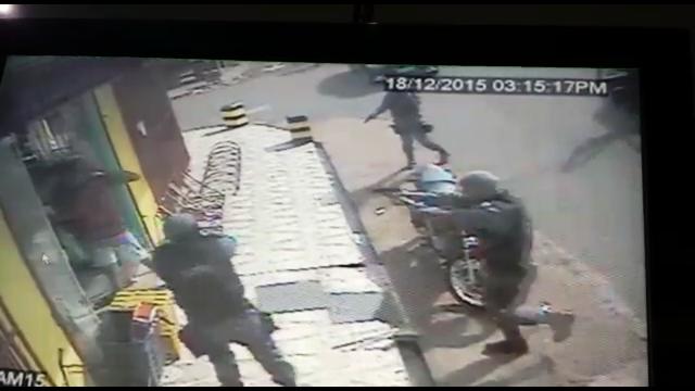 Santana: VÍDEO mostra criminosos surpreendidos pela PM durante assalto