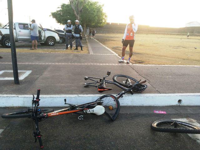 Parque do Forte: Ciclistas são atropelados na orla de Macapá