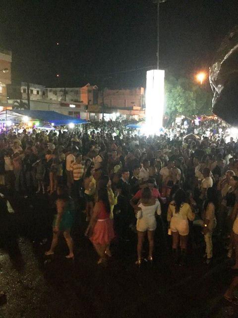 Apesar de tudo, moradores de Oiapoque fazem festa para 2016