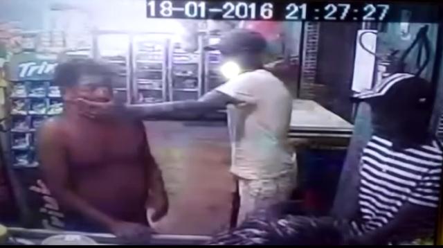 VÍDEO mostra assaltante dando tapa no rosto da vítima