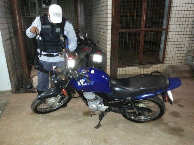 Ao imaginar traição do marido, mulher descobre clone de moto