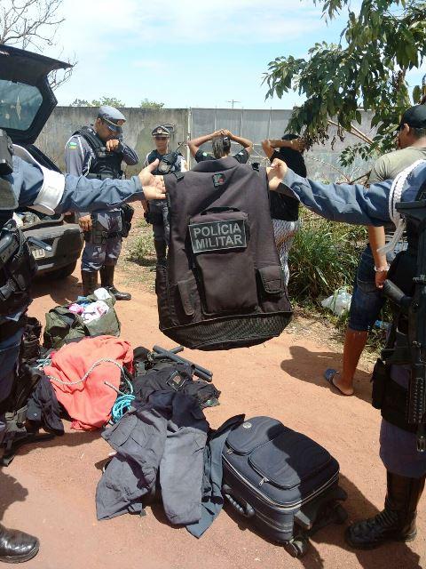 Homens faziam segurança em festas vestidos de policiais