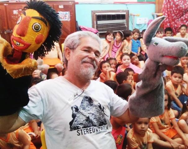 VÍDEO: Mestre Bonequeiro, o criador de almas