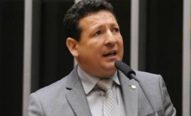 TSE nega liminar a Roberto Góes