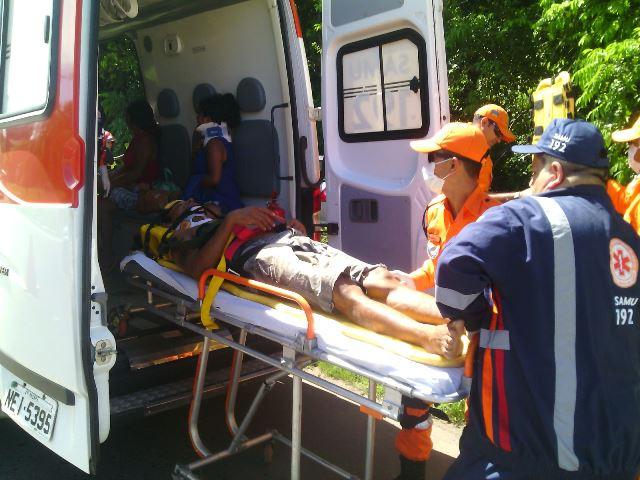 Depois de acidente, motorista foge do HE com costela quebrada