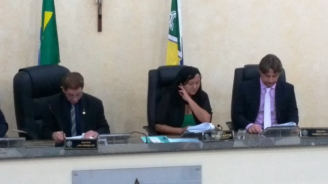 Mesa diretora da Assembleia Legislativa renuncia
