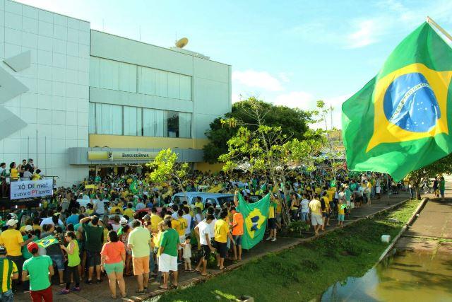 No Amapá, 3 mil participam de ato contra o governo Dilma