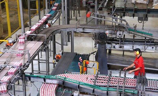 Sem conseguir o retorno da Coca-Cola, AP negocia com novas indústrias