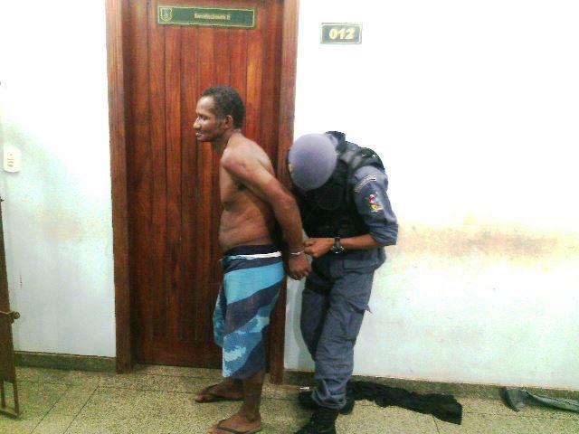Dono de bar é preso acusado de tentar matar cliente