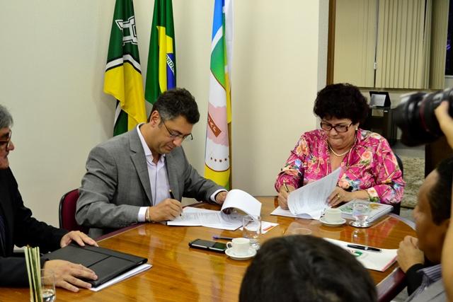 Servidores do Judiciário vão orientar licitações da prefeitura