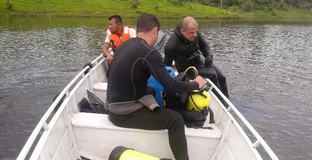Sobrevivente diz que água liberada por comportas causou naufrágio